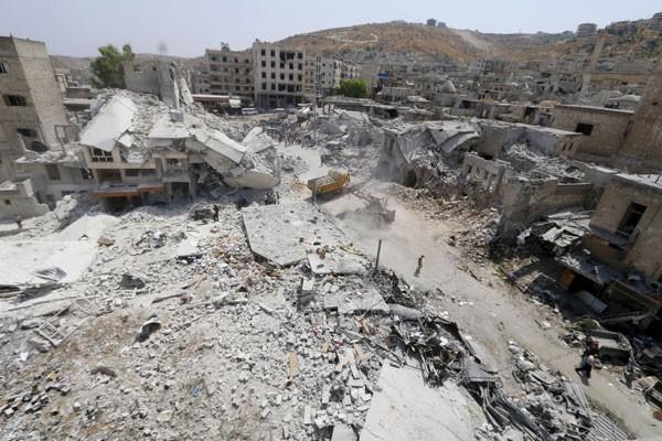 Jet tempur bom dua rumah sakit di Idlib Suriah
