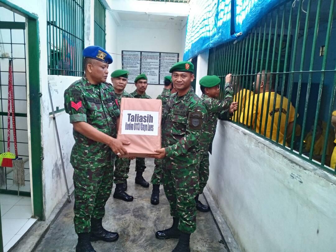 Kasdim 0113/Galus dan Rombongan  Kunjungi Tahanan Militer di Banda Aceh