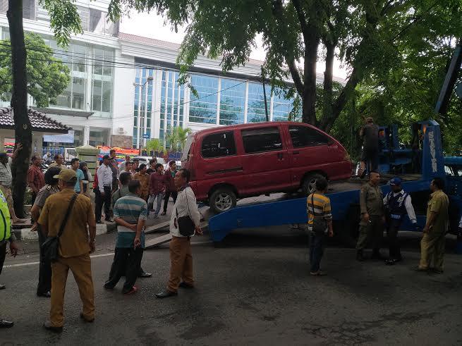 PK5, Pedagang Pulsa & Parkir Berlapis Ditertibkan