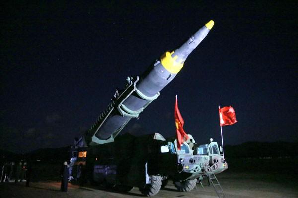 Korea Utara uji mesin roket