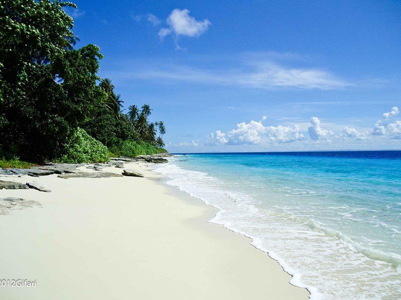 Destinasi Wisata di Nias Barat, Tujuh Pantai Dua Pulau Menakjubkan Ada Disana