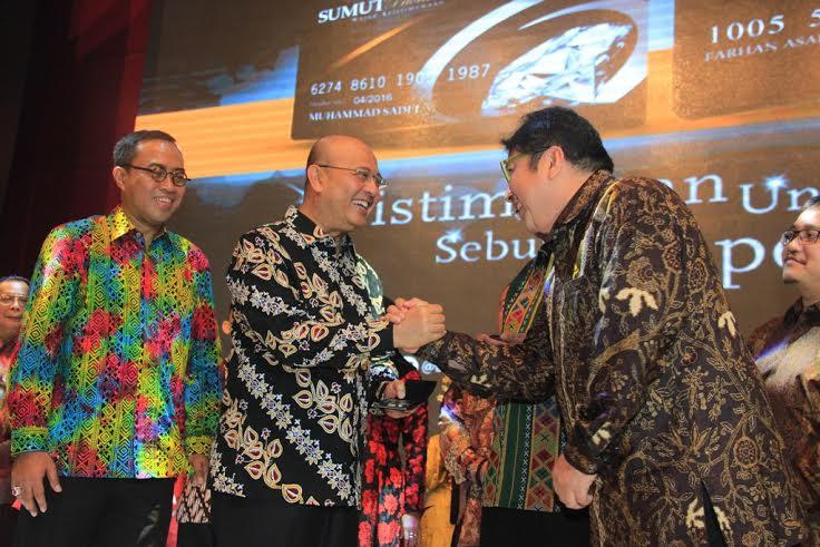 Peragaan Busana Batik & Songket Medan Meriahkan Grand Launching Layanan Bank Sumut Prioritas