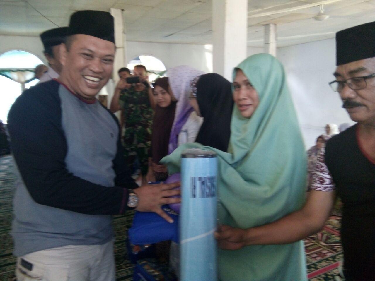 Jumat Barokah, Pemda Konut Salurkan Bantuan 270 Juta Kepada Masyarakat Desa Ulu Sawa