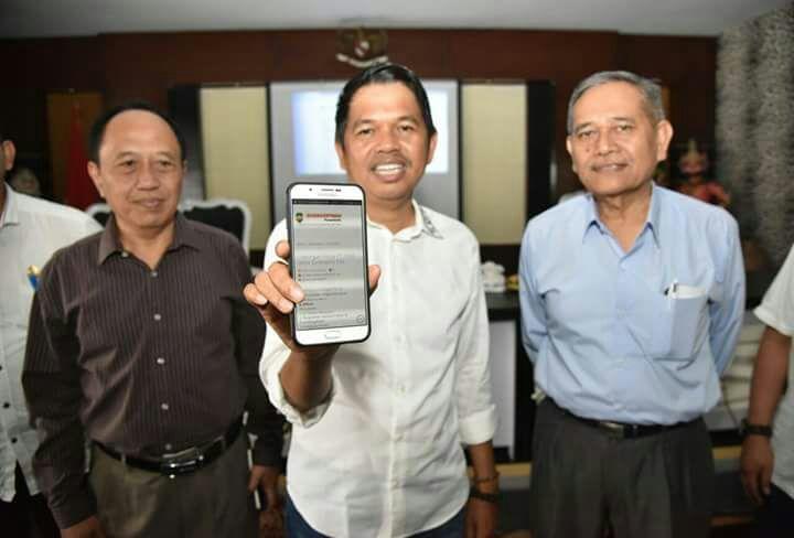 """Berangus Praktek Calo, Pemda Purwakarta Luncurkan Aplikasi Ogan Lopian Menu Utama """"Sampurasun Bursa Kerja"""" Online"""