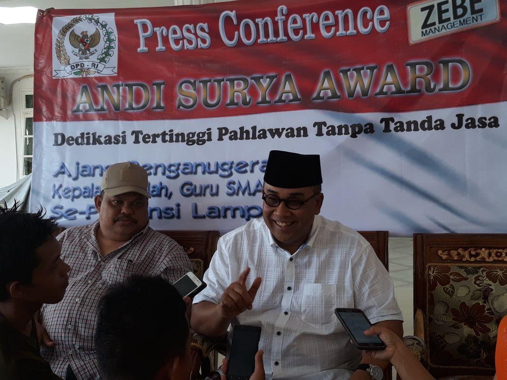 """Anggota DPD RI Andi Surya dalam """"Andi Surya Award 2017"""" : Saatnya Menghargai Pahlawan Tanpa Tanda Jasa"""