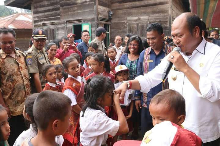 Bupati Taput Kunjungi Masyarakat Sandaran Desa Lobusingkam Kecamatan Sipoholon