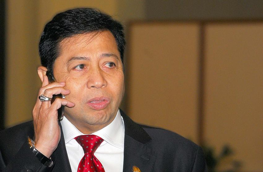 Penyidik KPK tinggalkan kediaman Setya Novanto dinihari