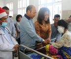 Bupati Taput Kunjungi warga Penderita Tu