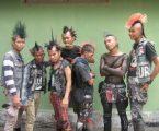 Polresta Depok Bubarkan Sekelompok Anak Punk Sedang Mabok Minum Obat Batuk Campur Durian