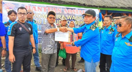 Satkom Wira Waskita Serahkan Bansos Pada Warga yang Terkena Dampak Erupsi Gunung Sinabung