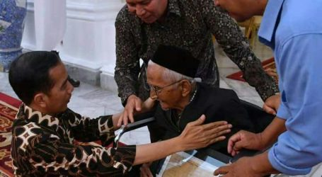 Nyak Sandang Bertemu Presiden Jokowi