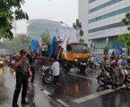 Amankan Aksi Unjuk Rasa Bela Islam, Kapolsek Medan Baru Rela Hujan-Hujanan
