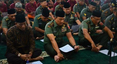Ratusan PrajuritKodamXIV/HasanuddinPeringati Isra' Mi'raj Untuk Menjadi Prajurit Yang Kesatria, Militan Dan Loyal