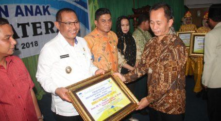 Walikota Medan Terima Award Tokoh PeduliPanti Asuhan