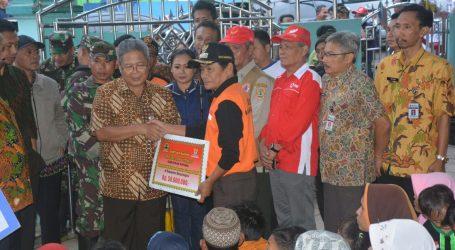 Plt Gubernur Jawa Tengah Heru Sudjatmoko, Bantu Korban Gempa Kalibening