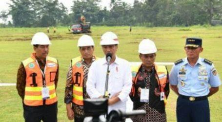 Presiden RI Melihat Pembuatan Bulu Mata Palsu dan Wig di Purbalingga