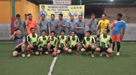 Sambut HUT Polri Ke-72 Polsek Percut Bersama Muspika dan Wartawan Main Futsal