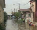 Suasana Lebaran di Belawan Diwarnai Banjir Rob, Warga Tagih Janji Walikota Medan