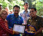 Bupati DS.Bersama12 Instansi /Perusahaan di Sumatera Utara, TerimaPlakat Dan Penghargaan P4GN PadaHANI 2018