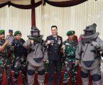 KAPOLRESTABES MEDAN IRUP HUT BHAYANGKARA KE 72 DI LAPANGAN BALAI DESA KECAMATAN MEDAN HELVETIA