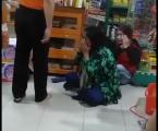Akibat Rekaman Video Polisi Tendangi Seorang Ibu Viral di Sosmed, Kapolri Marah Besar