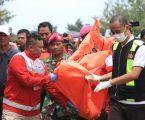 Ditemukan 8 Mayat, Proses Evakuasi Pesawat Lion Air JT 610 Di Pantai Tanjung Pakis Karawang