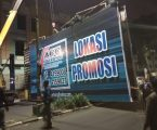 Papan Reklame Bermasalah  di Jalan Sisingamangaraja Dibongkar