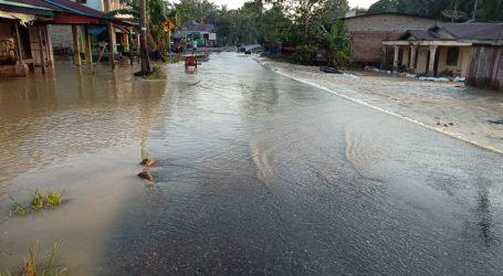 Akibat Banjir, Aktifitas di Desa Sennah Hampir Lumpuh