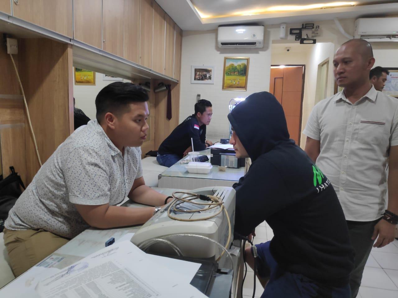 Diduga Terjerat Kasus Narkoba, Pesinetron Steve Emmanuel di Tangkap Timsus 3 Narkoba Polres  Metro Jakarta  Barat