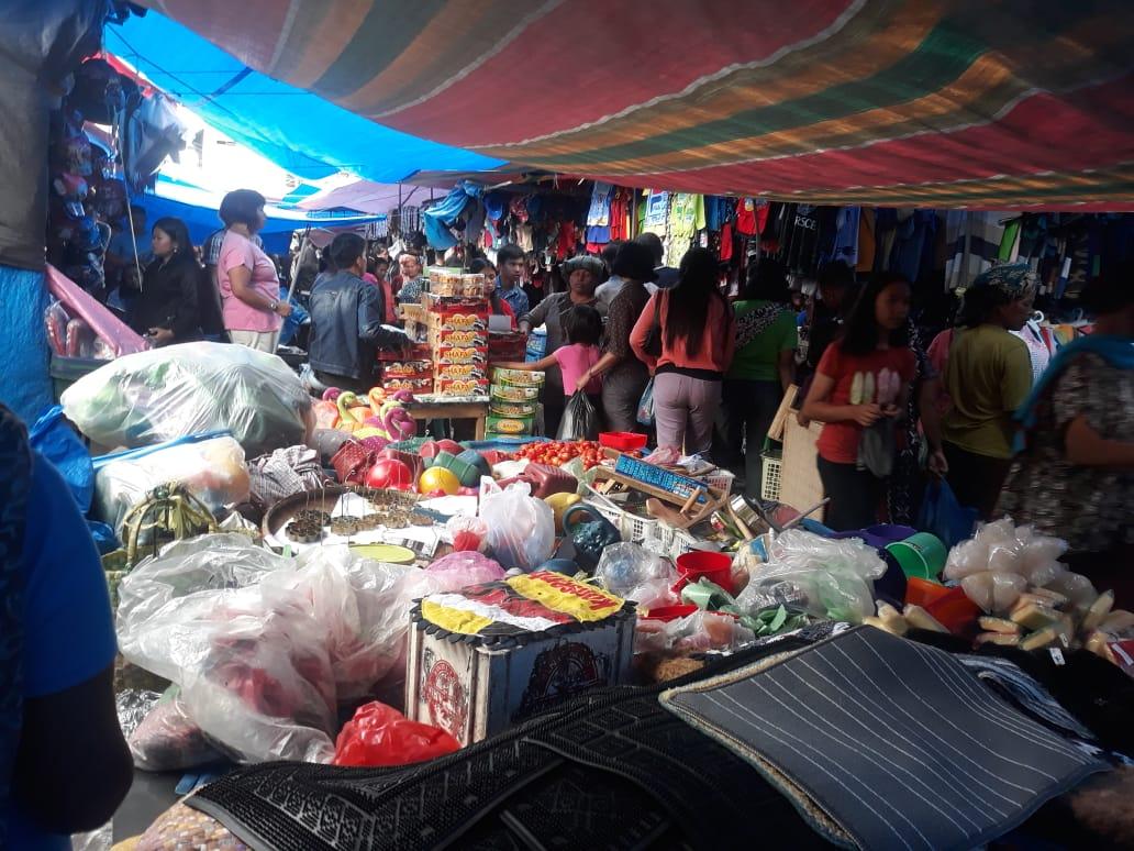 Akhir Tahun 2018, 'Onan' di Pasar Siborongborong Ramai Dipadati Masyarakat