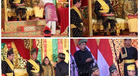 Kapolri Muhammad Tito Karnavian, Ph.D Mendampingi Presiden RI Dalam Acara Penganugerahan Gelar Adat Melayu Riau