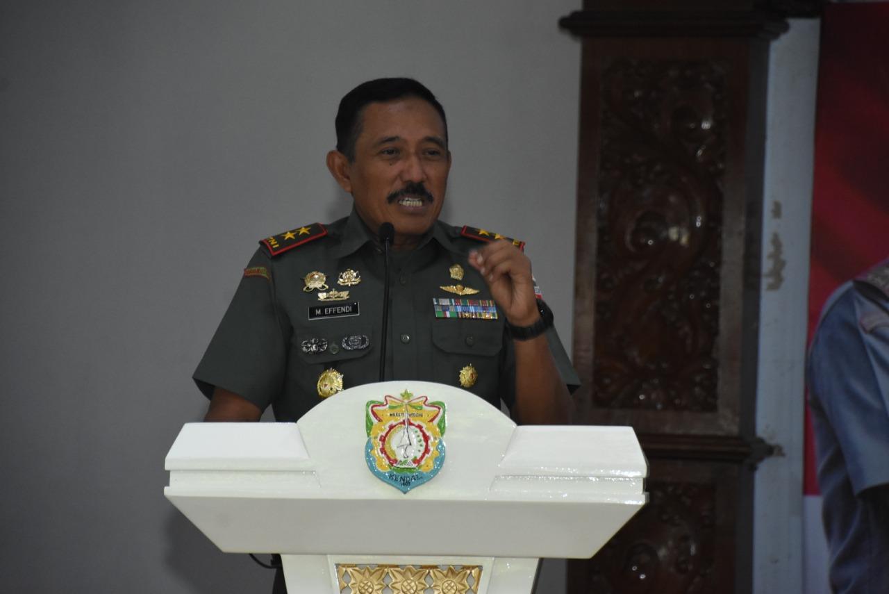 Pangdam IV/Diponegoro Mayjen TNI Mohamad Effendi, S.E., M.M.: Jangan Ragu Mencegah Tindak Kriminal dan Menangkap Pelakunya
