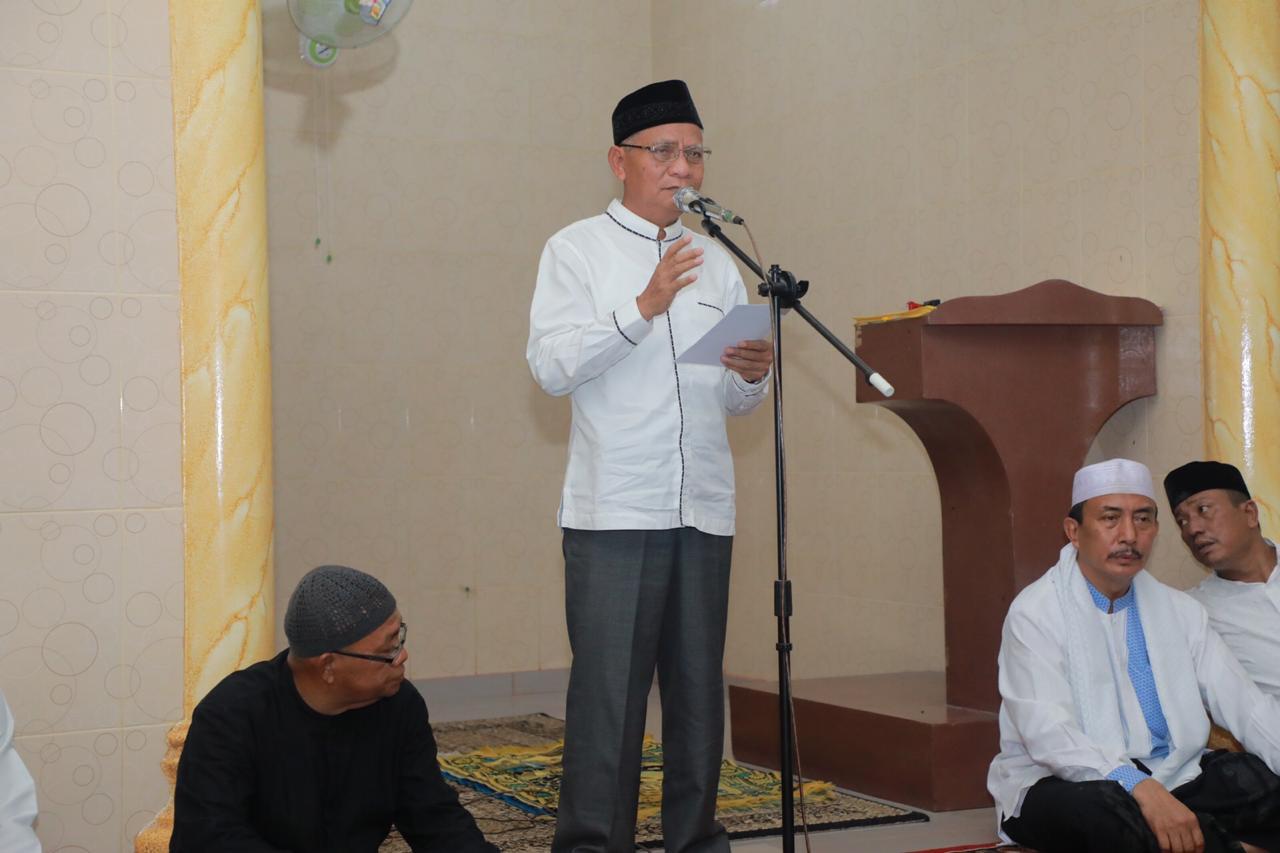 Safari Ramadhan Terakhir, Plt Bupati Kunjungi  Musholla Ikhwanul Munir