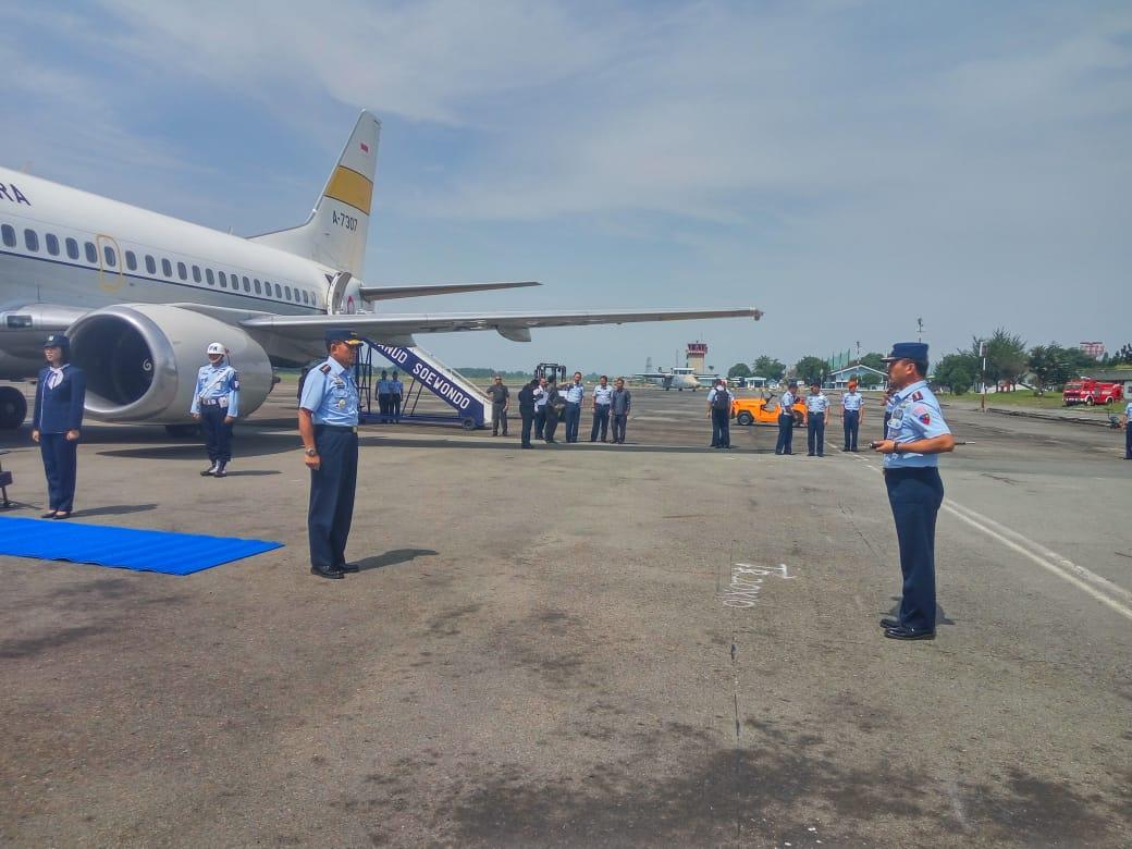 Kepala Staf Angkatan Udara, Marsekal TNI Yuyu Sutisna, S.E., M.M Singgahi Lanud Soewondo Sebelum Terbang menuju Thailand