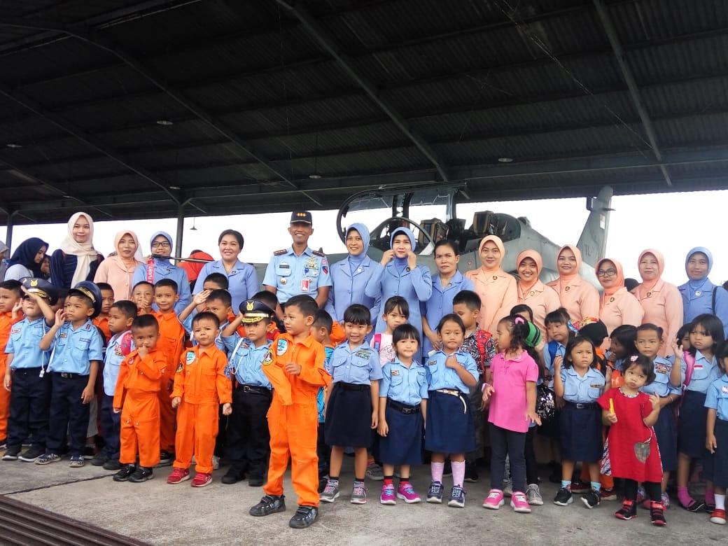 Danlanud Soewondo Ajak Para Pelajar Saksikan Alutsita Milik TNI AU