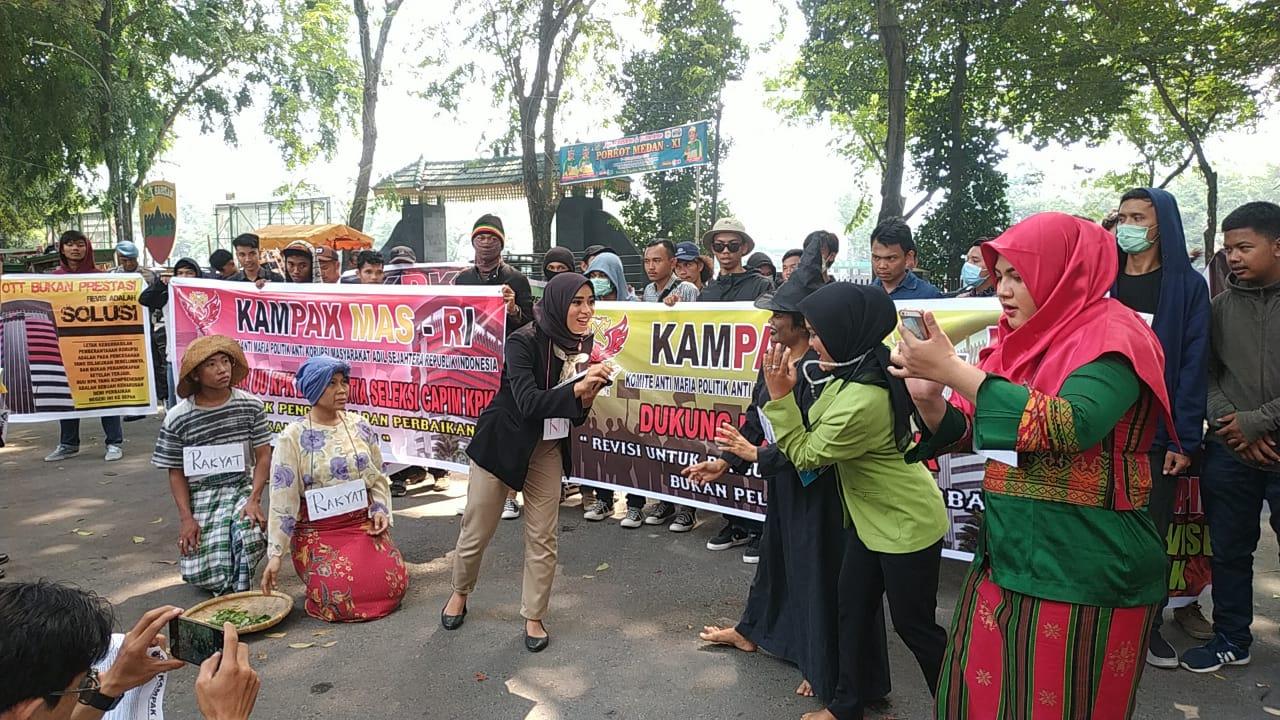 KAMPAK-MAS Lakukan Aksi di DPRD Sumut, Mendukung Sepenuhnya Revisi UU Nomor 30 tahun 2002 Tentang KPK