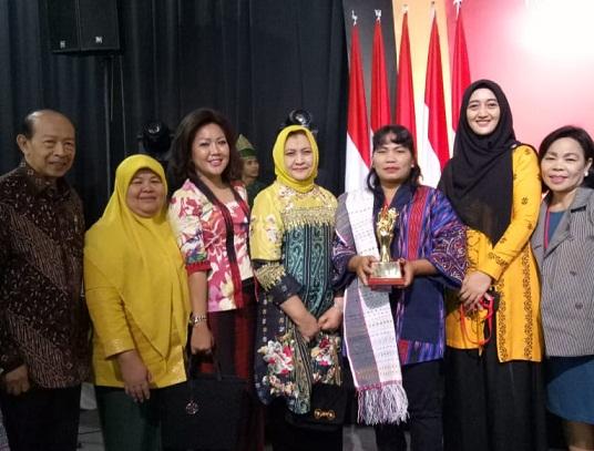 Dekranas Award 2019, Bittang Marotur Taput Tekstil Terbaik di Indonesia