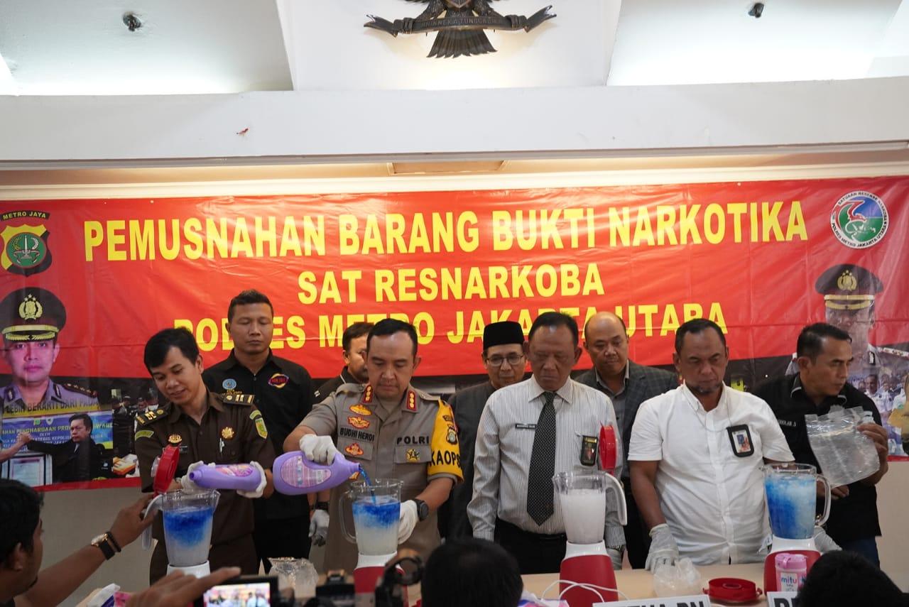 Polres Metro Jakarta Utara Press Release Pemusnahan Barang Bukti Sabu 10 Kilogram di Ruang Serbaguna