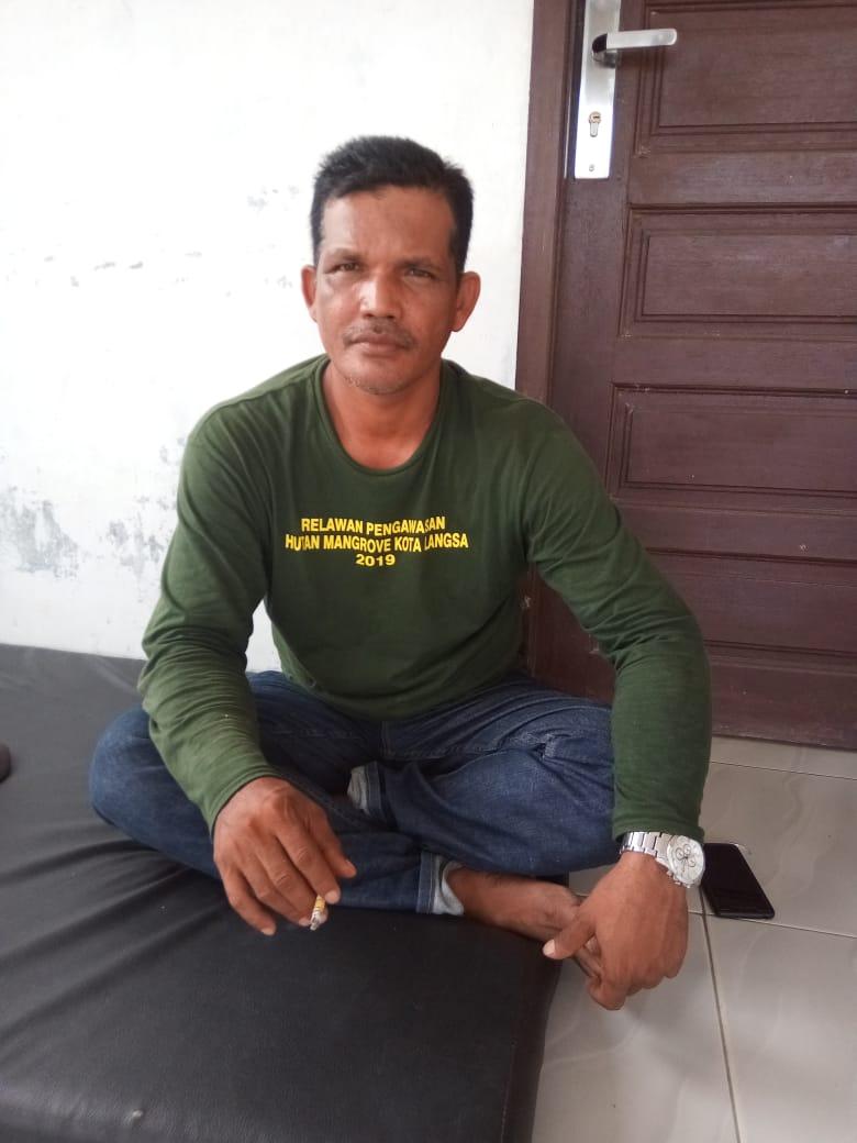 Penanaman Bibit Mangrove Dinas BLHKP Diduga Proyek Siluman