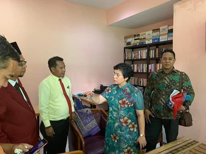 Wakil Ketua KPK, Lili Pintauli Kunjungi Biro Bantuan Hukum UISU