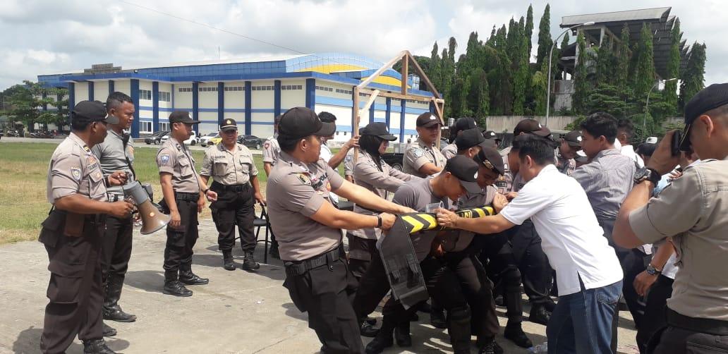 Kapolres Kukar Gladi Sispam Kota Dalam Rangka Pengamanan Menghadapi Pilkades 2019