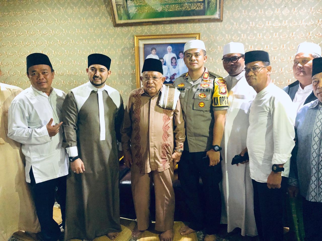 Kapolsek Kalideres Menghadiri Kegiatan Haul dan Tabligh Akbar Dalam Rangka Milad ke 33 Ikatan Majlis Ta'lim Nurul Hasanah Pimpinan KH Faturrohmana