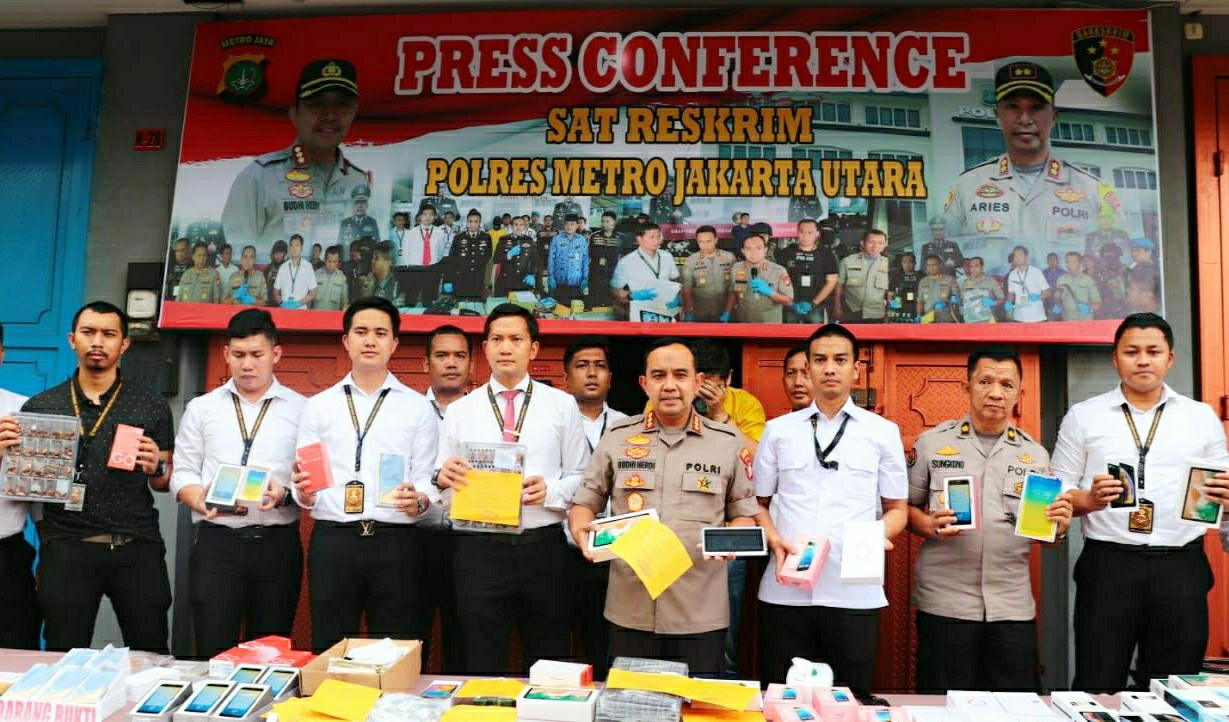 Kapolres Metro Jakarta Utara Press Conference Kasus Produksi Handphone Ilegal