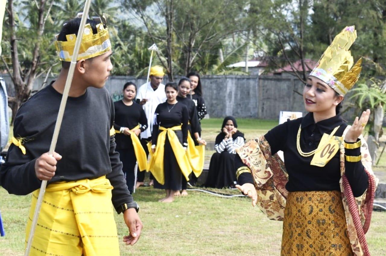 Hari Kedua Festival Pesona Wisata Tapteng Manjakan Pengunjung Saksikan Lomba Drama Musikal