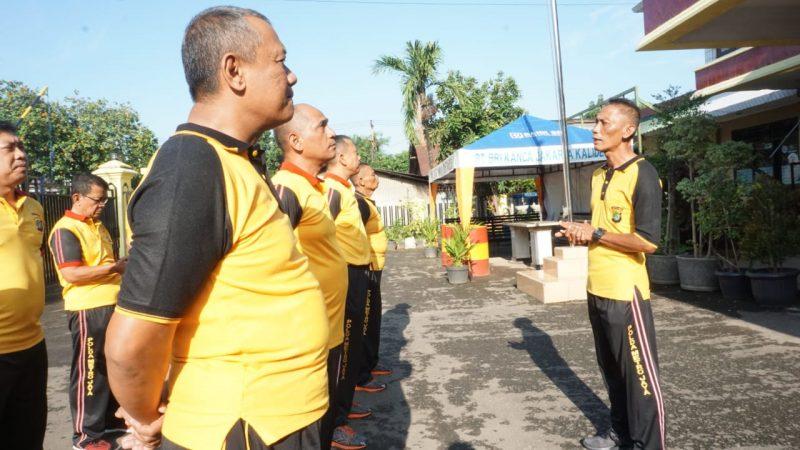 Kapolsek Kalideres Senam AW S3 Dari Motivator Andrie Wongso (S3)