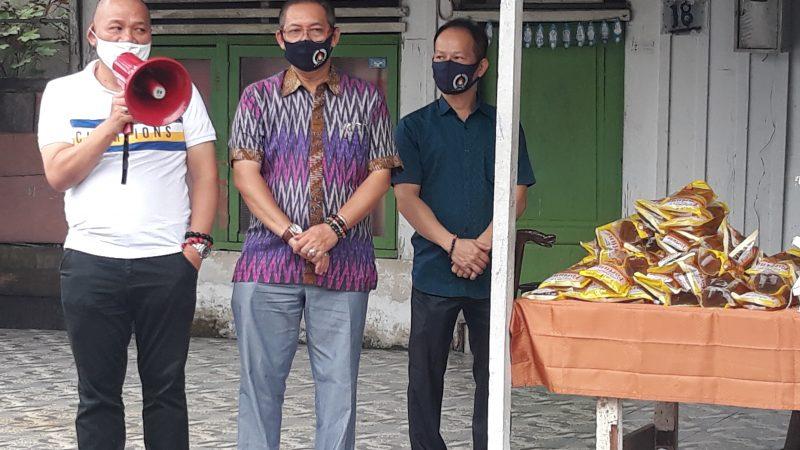 Brillian Moktar Bersama Wong Chun Sen Bagikan 50 Paket Sembako di Kuil Sri Munisswaren Kec.Medan Polonia