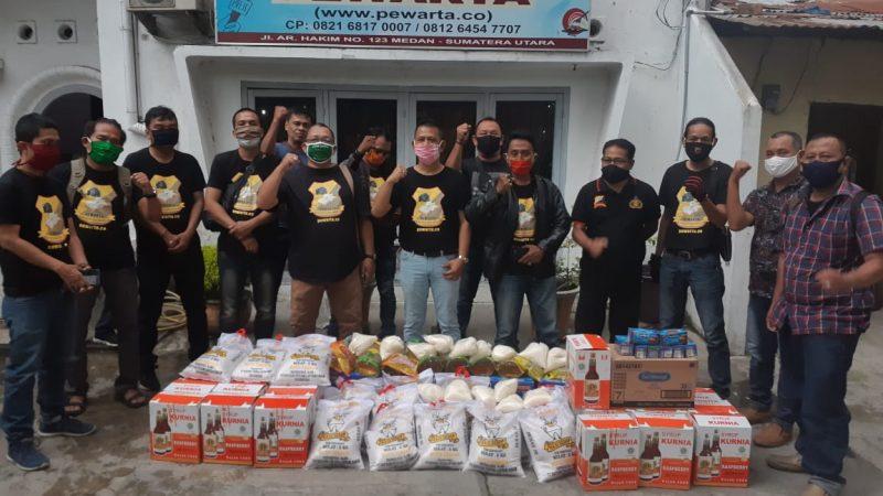 Chairum Lubis Bagikan THR dan Paket sembako Pada Angggota Pewarta Polrestabes