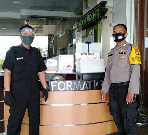 Personel Polsek Pademangan Melaksanakan Himbauan PDMPK Kepada Pedagang dan Pengunjung Pasar