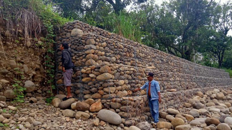 DPC JPKP Pinangsori Bersama Warga Duga Proyek Brojong di Sungai Pinangsori Asal Jadi Berwujut Siluman