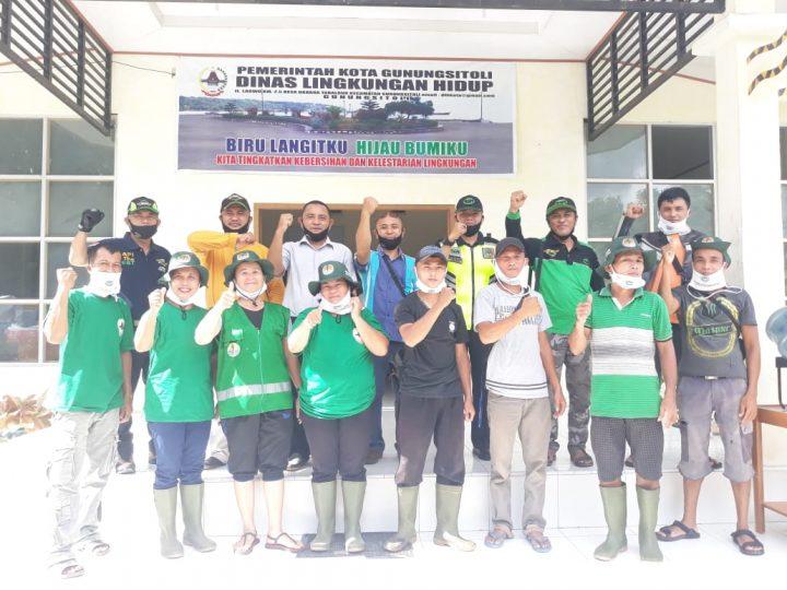 Rapi Kota Gunungsitoli Serahkan Bantuan Masker Untuk Petugas kebersihan Kota Gunungsitoli